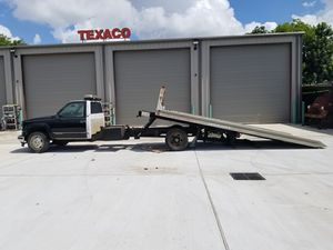 1998 Flatbed Tow Truck with Wheel Lift for Sale in Houston, TX