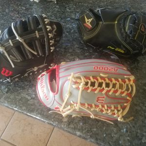 NEW BASEBALL GLOVES ( OFFERS 💰💰) for Sale in Victorville, CA