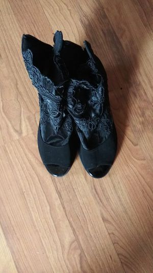 BLACK LACED OPEN TOED SHOES for Sale in Muncy, PA