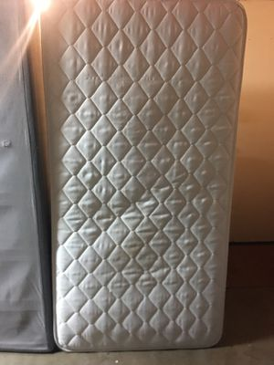 Twin mattress and box spring for Sale in Rancho Cucamonga, CA