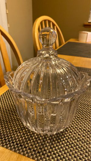 Crystal jar with lid - like new barely used no cracks/chips for Sale in Kent, WA
