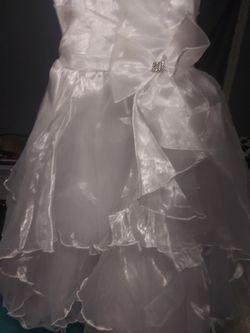 Little girl dresses used for wedding for Sale in Elkins,  WV