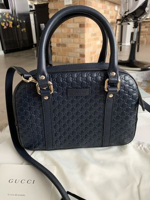 Gucci crossbody bag from Gucci Store for Sale in Norridge, IL