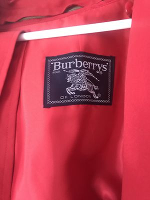 Burberry Trench Coat for Sale in Cleveland, OH