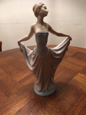 Lladro Daisa Ballerina 1979 Porcelain Figurine Made In Spain for Sale in Glenview, IL