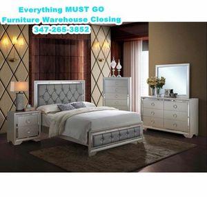 beautiful bedroom set. Must Go for Sale in Queens, NY