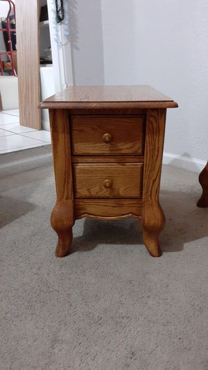 All wood nightstand/ end table for Sale in Phoenix, AZ