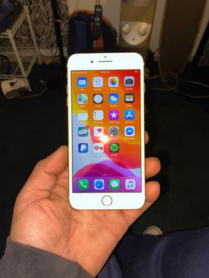 iPhone 7+ cheap cheap with otter box portfolio case 200$ for Sale in Olympia, WA