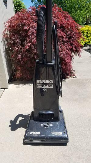 Eureka Vacuum Cleaner for Sale in North Ridgeville, OH