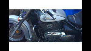 Motorcycle 04 Suzuki Volusia for Sale in Dallas, TX