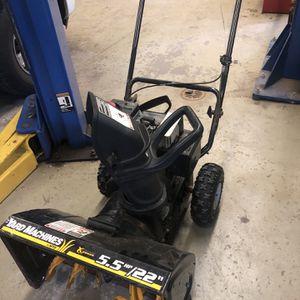 Yard Machine 22inch 5.5 Horse Power Snow Blower for Sale in Fairfield, NJ