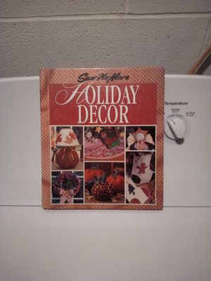 Sew No More Holiday Decor Book for Sale in Steubenville, OH