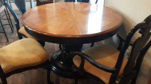 Dining table for Sale in Cheyenne, WY