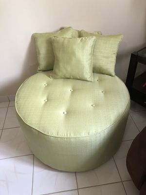 Brand new light Green Upholstered Ottoman for Sale in Hialeah, FL