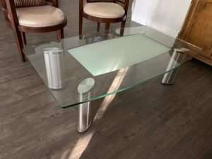 Glass coffee table for Sale in Tamarac, FL