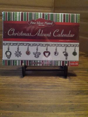 "Advent ""Countdown to Christmas"" charm bracelet for Sale in BAYVIEW GARDE, IL"
