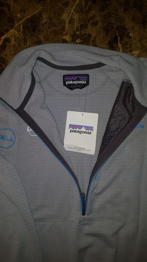 Patagonia 1/4 zip size XL for Sale in Aurora, CO