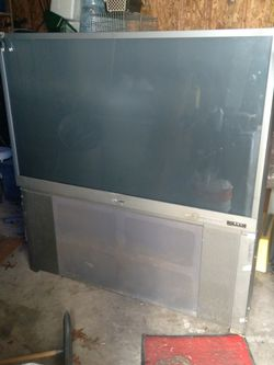 """65"""" Mitsubishi TV for Sale in Strongsville,  OH"""