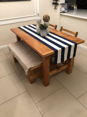 Farmhouse dining table bench chairs for Sale in Rancho Santa Margarita, CA