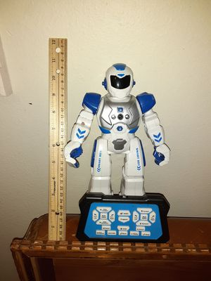 AI Robot with gester control as well as remote for Sale in Portland, OR