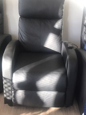 Black reclining chair for Sale in Pittsburgh, PA