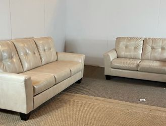 Leather Couch Set FREE DELIVERY for Sale in Philadelphia,  PA
