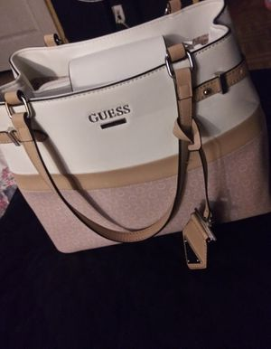 Guess pink/white purse for Sale in Pharr, TX