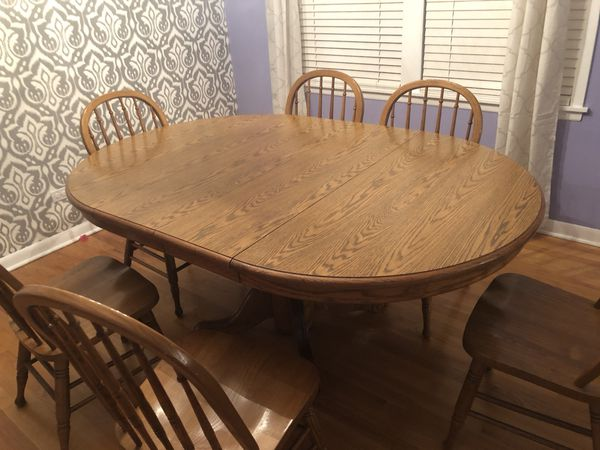 Dining room / kitchen table with 6 chairs.
