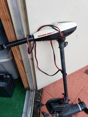 Motor para bote con su bateria for Sale in Miami Gardens, FL