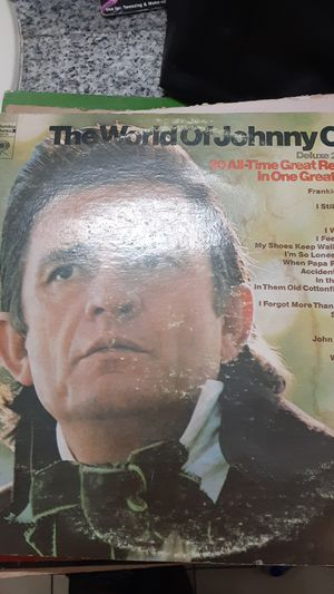 Johnny Cash Deluxe 2 record set 20 all-time greatest recordings in one grape for Sale in Duncanville, TX