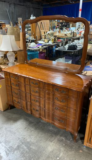 Dresser for Sale in Fresno, CA