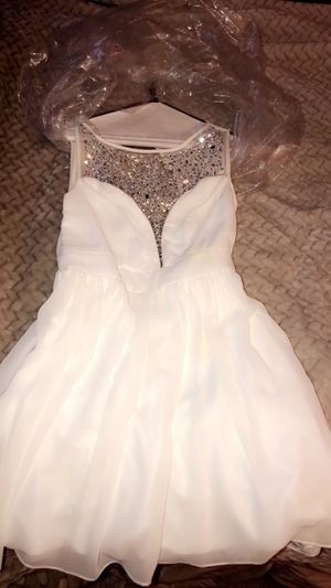 Short Cut White Dress 😻 for Sale in Tracy, CA
