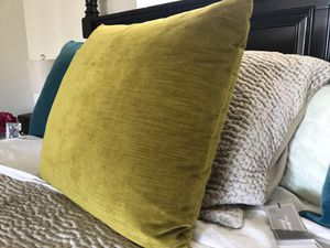 Pillow for Sale in Ladera Ranch, CA