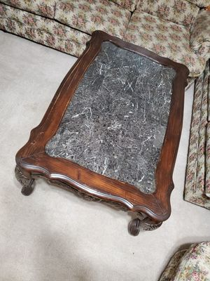 Coffee table with 2 center pieces for Sale in Visalia, CA