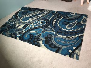 Indoor / Outdoor rug 5x7 for Sale in Des Moines, WA