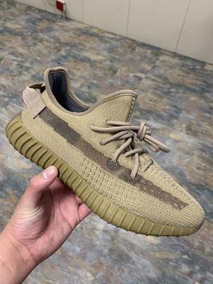 Yeezy boost earth size 9 for sale for Sale in Queens, NY