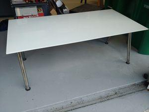 White glass desk/table for Sale in Pembroke Pines, FL