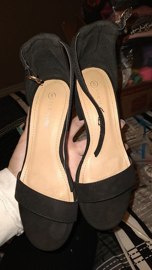 Girls heels size 5 for Sale in Phillips Ranch, CA