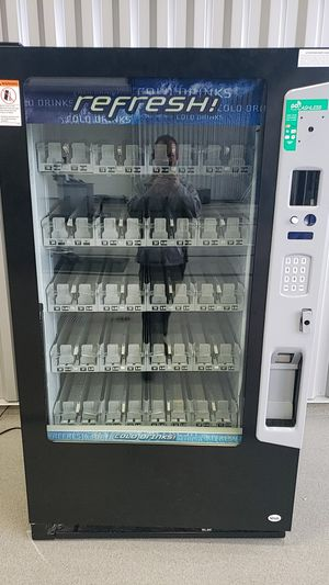 40 selection drink vending machine for Sale in Indianapolis, IN