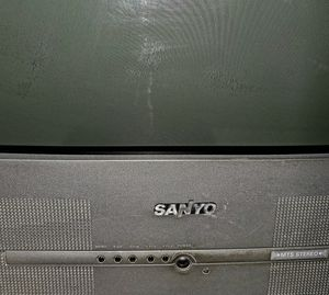 Lrg working TV for Sale in Charlotte, MI