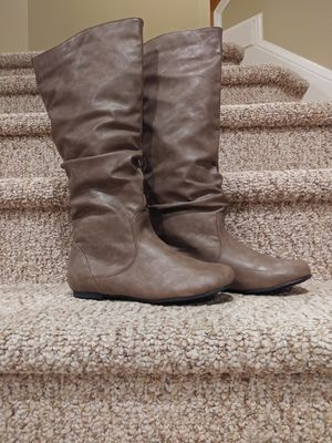New Women's Size 7.5 Journee Collection Boots [Retail $69.99] for Sale in Woodbridge, VA
