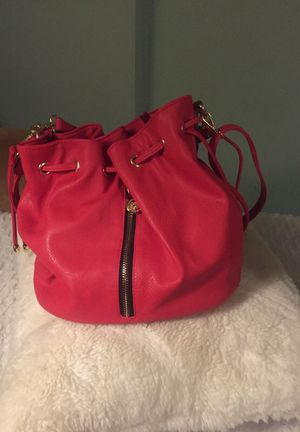Beautiful hobo bag Nice straps and Chic for Sale in Abington, PA