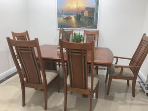 Wood dining table for Sale in Miami, FL