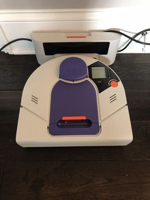 Neato XV-21 Robot vacuum for dog hair for Sale in Mokena, IL