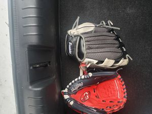 Kids baseball gloves for Sale in Santa Ana, CA