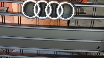 Black Chrome Audi Grill A5/S5 2013 Up for Sale in Pompano Beach,  FL