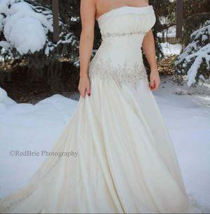 Wedding dress for Sale in Saratoga Springs, UT