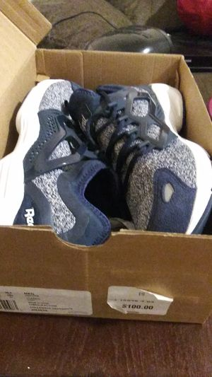 Mens 10.5 reebok nib for Sale in Cleveland, OH