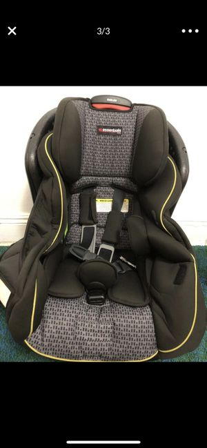 Emblem convertible car seat for Sale in Queens, NY