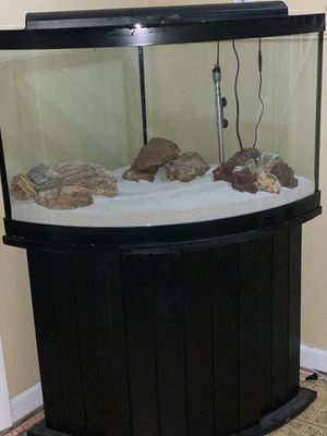 54 gallon Corner fish tank w/setup for Sale in Montgomery Village, MD